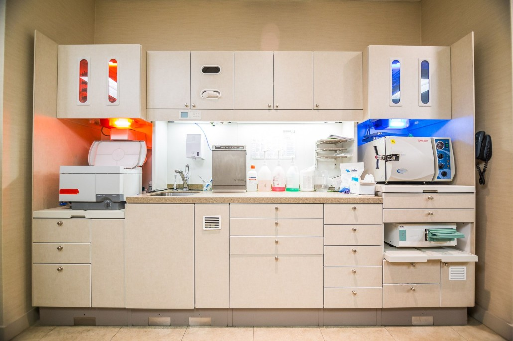 At Sunrise Dental we put great care in cleaning and sterilizing our equipment